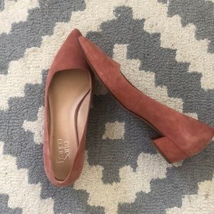 Rose colored suede pointed toe shoe